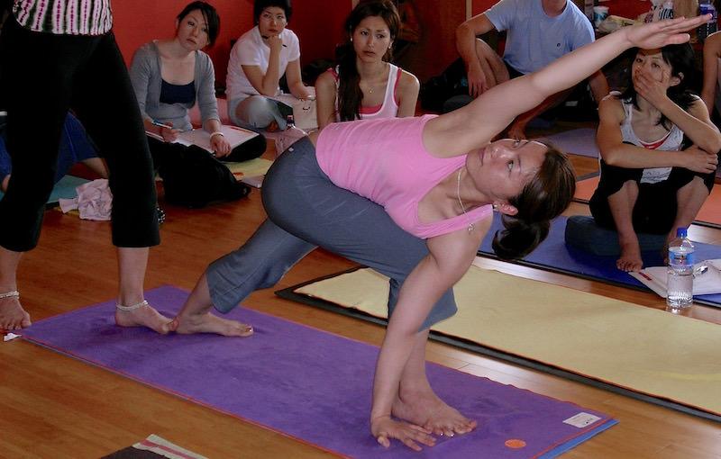 Parivrtta parshvakonasana demo at our 2006 yoga teacher training.