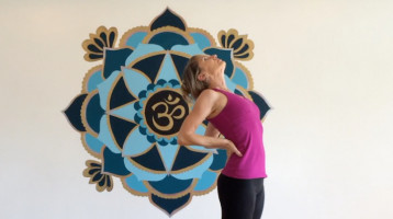 8 poses of empowerment - Expanding into possibilities