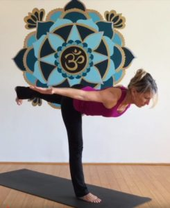 3 poses to help build your core stabilization muscles